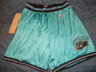 Vancouver Grizzlies Shorts rare vtg used XL 40 42 x large memphis worn
