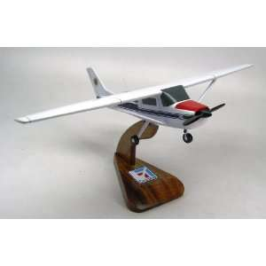 Cessna 150 152 Wood Model Airplane Small: Everything Else