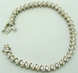 Gorgeous Ladies Diamond Tennis Bracelet