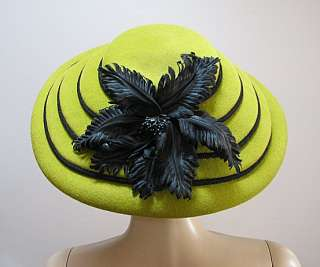VINTAGE LADIES GREEN HAT, TERRACED w/ BLACK CORD *FABULOUS*Essence by