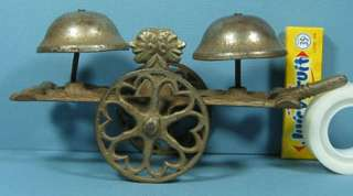 1880S CAST IRON 2 HEADED AFRICAN AMERICAN BLACK GONG BELL TOY T44