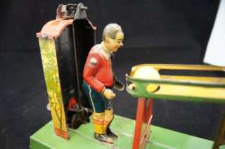 1920s GELY GERMAN D.R.G.M SOCCER PLAYER TIN TOY OUTSTANDING