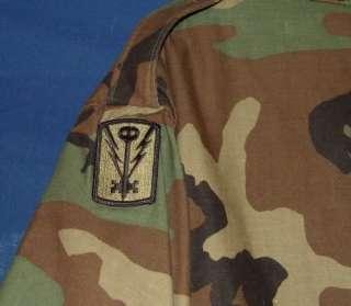 NICE ARMY CAMO FIELD JACKET SIZE MEDIUM REG.