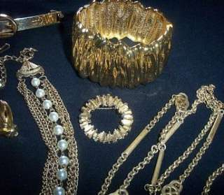 Day~BEAUTIFUL Vintage Jewelry Lot~Bold Gold~Sarah Cov/MONET/Japan