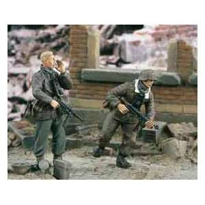 Verlinden 1/35 German Infanry WWII Move I (2) oys & Games