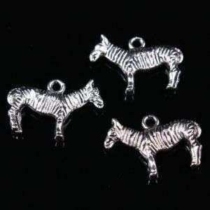 17 Pcs Lovely Tibetan Silver Horse Pendant Beads New