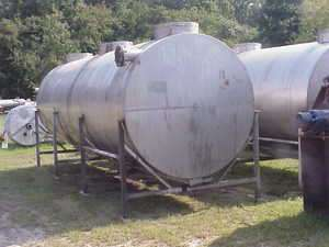 4500 Gallon Stainless Steel Storage Water tank Horizontal on Cradle in