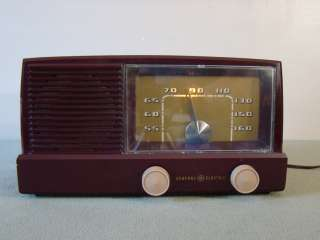 Vintage 1951 GENERAL ELECTRIC GE Tube Radio MODEL 414 Lighted Dial