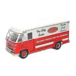 1961 Divco Dividend Step Van Model 70 1/34 Red & White