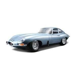 : 1961 Jaguar E Type Coupe Blue 1/18 Diecast Car Model: Toys & Games